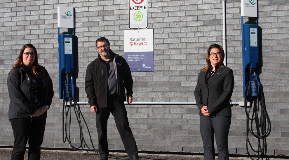 Une nouvelle borne électrique grâce à Batteries Expert Saint-Eustache