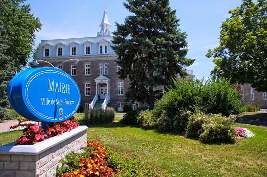 Ville de saint-Eustache - Fête du Canada - Services municipaux fermés et certains horaires modifiés