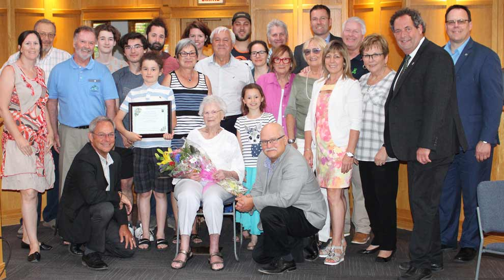Le conseil municipal accueille une citoyenne centenaire