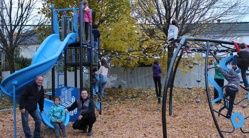 Ville de saint-Eustache - Un nouveau module de jeu au parc René-Lévesque