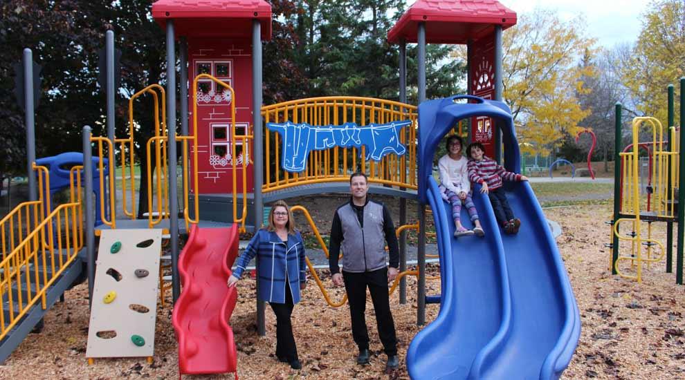 Ville de saint-Eustache - Le parc Prud'homme doté d'un nouveau module de jeu pour les 2 à 5 ans