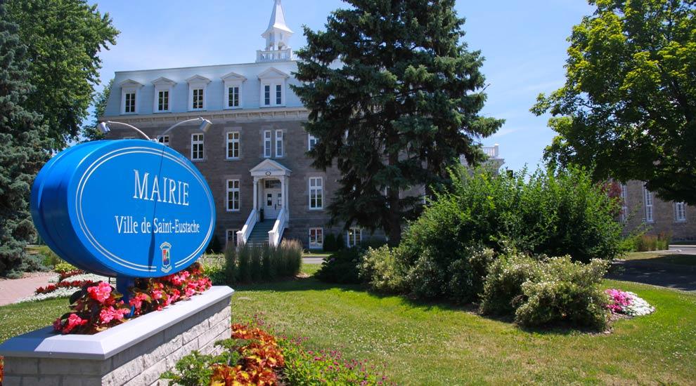 Ville de saint-Eustache - Fermeture des services municipaux - Fête du Canada
