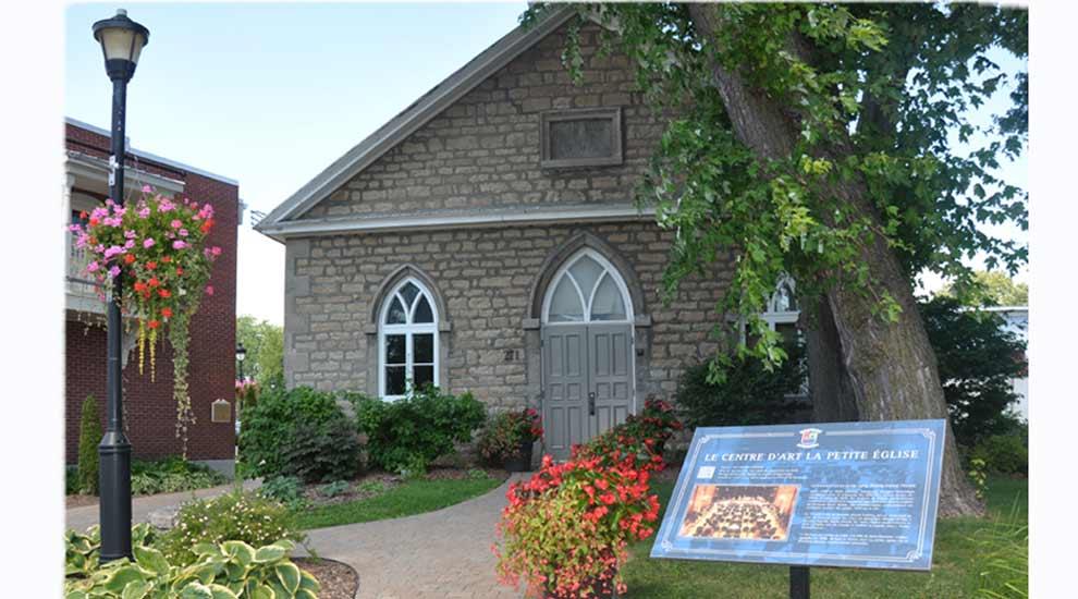 Ville de saint-Eustache - (Covid-19) - Un sondage sur l'offre de spectacles au Centre d'art La petite église