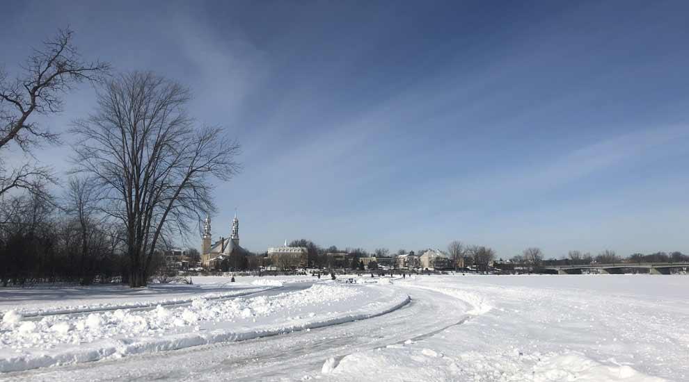 Ville de saint-Eustache - Fermeture du sentier de patin Bernard-Besner sur la rivière