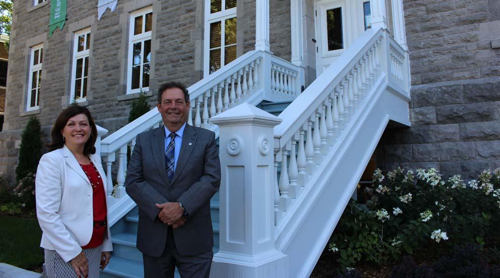 Ville de saint-Eustache - Linda Lapointe, députée fédérale de Rivière-des-Mille-Îles, souligne l'appui financier de plus de 60 000$ de Patrimoine Canada à la Ville de Saint-Eustache à l'occasion de son 175e anniversaire