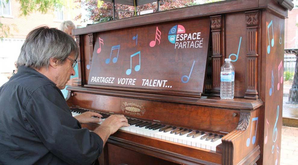 Ville de saint-Eustache - Lancement du piano public au cœur du Vieux-Saint-Eustache